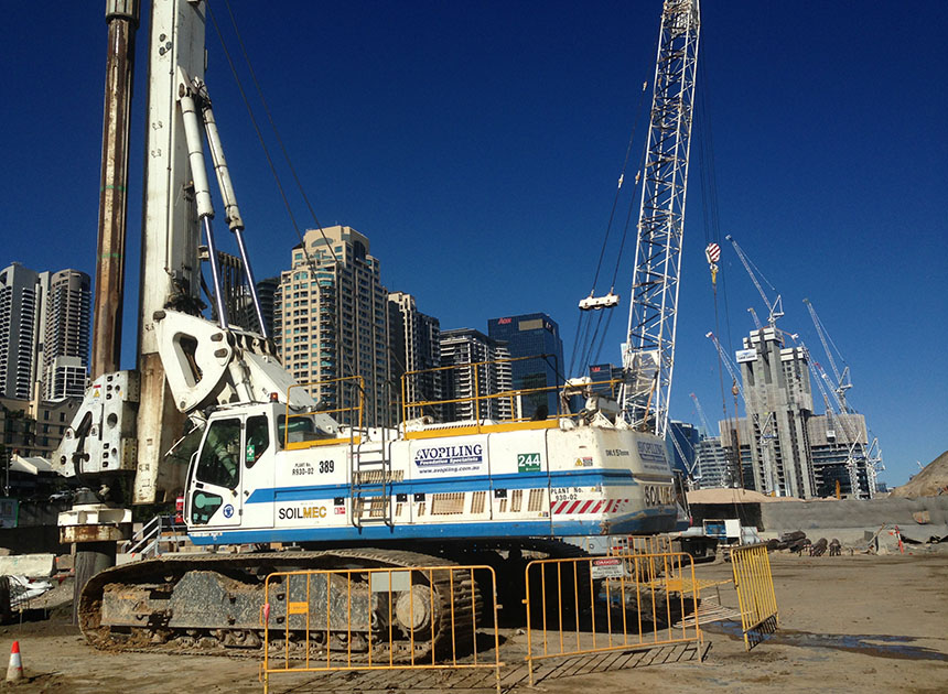 Soilmec R930 drilling 600mmØ bored piers at Barangaroo Headland Park